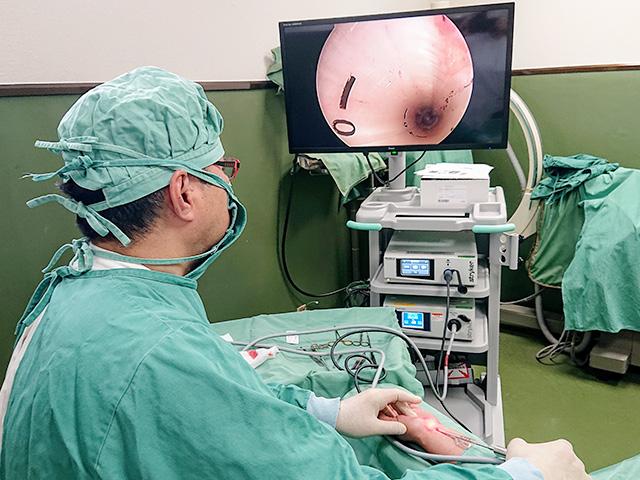 鏡視下手根管開放術(日帰り手術)