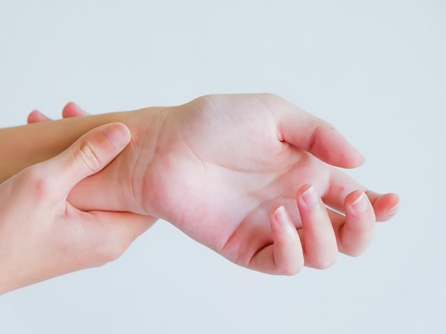 手・手首の痛み
